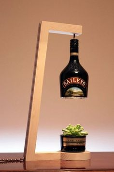 diy Lamp table - woodworking - 80 Ways to Reuse Your Glass Bottle Ideas 10 Wooden Lamp, Deco Design, Bottle Crafts, Glass Bottles, Bottle Lamps, Lighting Design, Diy Furniture, Furniture Plans, Furniture Design