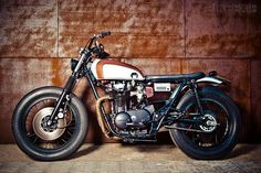 Spain's La Corona Motorcycles has just sold this lovely custom commuter based on a Yamaha XS650.