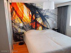 Colorful wall paper / Värikäs tapetti