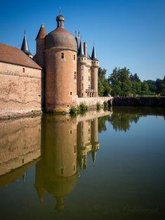 Château de la Clayette by Deen Guldemond / 500px