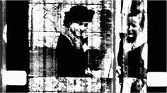 """Il risultato è una meditazione filmica che mette in discussione il ruolo dell'Austria come presunta vittima del nazionalsocialismo, in cui si intrecciano anche storie personali che si riverberano sul tempo attuale. Uno sguardo a chi si è stati per interrogarsi su chi si è. """"Quasi tutti ridono. Sono felici di far parte del Terzo Reich"""" (NS). Il programma prevede l'incontro con l'artista, l'8 novembre a Nosadella.due."""