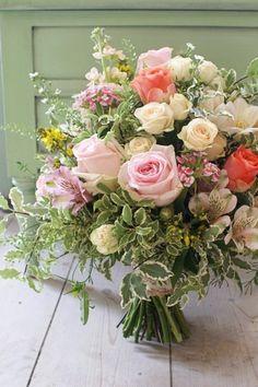 pretty spring rose bouquet