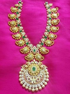 New Ideas For Jewerly Gold Necklace Middle Urban Jewelry, Real Gold Jewelry, Gold Jewellery Design, Beaded Jewelry, Simple Jewelry, Diamond Jewelry, India Jewelry, Jewelry Patterns, Making Ideas