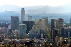 Mexico City skyline. Taken by Flickr user Lidia Lopez via Wikimedia Commons.