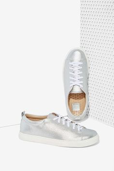 Dolce Vita Oriel Metallic Leather Sneaker | Shop Shoes at Nasty Gal!