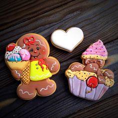 Для малышки #имбирныепряники #пряники #пряникиназаказ #подарок #праздник #детскийпраздник #сладкийподарок #сладкийстол #кендибар #тортмосква #тортназаказ #выпечканазаказ #торт #топпер #cookies #decoratedcookies #royalicing #gastroart #delicious #vscofood #vscorussia #vscomoscow #msk #cake#балашихаарена#тортбалашиха#москва#длядетей#назаказ#топпернаторт
