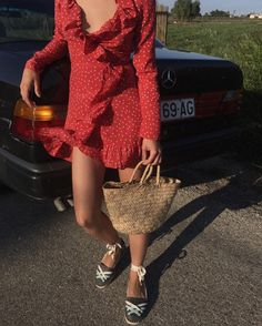 we love fashion Love Fashion, Vintage Fashion, Fashion Outfits, Estilo Gamine, Red Wrap Dress, Gamine Style, Provocateur, Street Style Summer, Fashion Lookbook