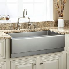 The Hazelton Offset Double-Bowl Stainless Steel Farmhouse Sink makes food prep and dish washing a breeze. It features two slightly offset bowls constructed from durable and stunning stainless steel, making it the perfect addition to a modern kit Stainless Steel Farmhouse Sink, Copper Kitchen, New Kitchen, Kitchen Ideas, Awesome Kitchen, Kitchen Decor, Farmhouse Apron Sink, Fireclay Farmhouse Sink, Best Faucet