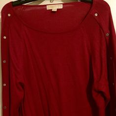 Michael Kors Sweater size large Long sleeve lightweight sweater with gold rivets down each arm that say Michael Kors on each one. Size large! Get it before Valentine's Day! Michael Kors Sweaters Crew & Scoop Necks