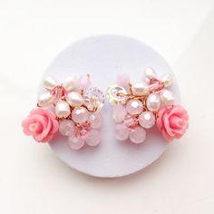 Pearl earrings / stud earrings / unique  Jewelry / by PastelGems
