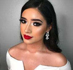 50 Pretty Makeup Ideas With Red Lipstick - Makeup Ideas makeup ideas lipstick Makeup Looks For Red Dress, Red Dress Makeup, Prom Makeup For Brown Eyes, Red Lips Makeup Look, Red Lipstick Makeup, Pretty Makeup Looks, Smokey Eye Makeup, Red Lipsticks, Makeup With White Dress