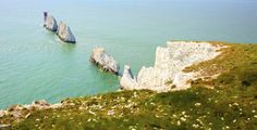 The Needles have the best seaside cliff view.That Prove The Isle Of Wight Is The Most Wonderful Place On Earth