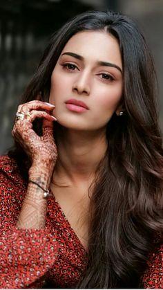 Beautiful Girl In India, Most Beautiful Eyes, Beautiful Girl Photo, Beautiful Hijab, Beautiful Models, Beautiful Bollywood Actress, Most Beautiful Indian Actress, Beautiful Actresses, Cute Beauty