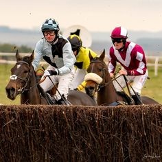 https://flic.kr/p/24jcDNc | You can do this. | Point-to-Point racing at Larkhill.