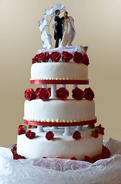 La tarta nupcial De nuevo en la antigua Roma, era tradición que el novio se comiese la mitad de un sencilla torta de trigo y sal durante la ...
