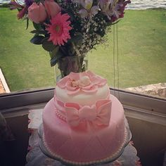 Pink baby shower cake.  Love love love this one.