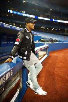 Next up, Marcus Stroman. Game 3 ALCS Oct Toronto Blue Jays and Stroman lost going down to the Cleveland Indians. Famous Baseball Players, Sports Baseball, Toronto Blue Jays, Marcus Stroman, Helmet Logo, Babe Ruth, American League, Cleveland Indians, Cheerleading