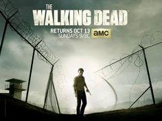 AMC a révélé le poster de la saison 4 d'une des meilleures séries de ces dernières années, The Walking Dead. Sobre, elle est dans la lignée des précédentes.