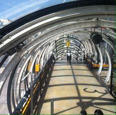 Susecion de aros y 3 proyectado Centre Pompidou – Musée National d'Art Moderne en Paris.
