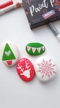 Christmas rock painting with Artistro - Rock painting with Artistro Paint Pens . - Christmas rock painting with artistro – rock painting with artistro paint pens - Rock Crafts, Diy And Crafts, Crafts For Kids, Paper Crafts, Canvas Crafts, Christmas Rock, Diy Christmas Ornaments, Christmas Garden, Ornaments Ideas