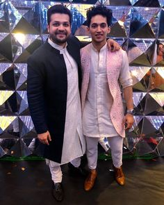 Indian Wedding Clothes For Men, Sherwani For Men Wedding, Wedding Dress Men, Indian Wedding Outfits, Mens Indian Wear, Indian Groom Wear, Indian Men Fashion, Gents Kurta Design, Boys Kurta Design