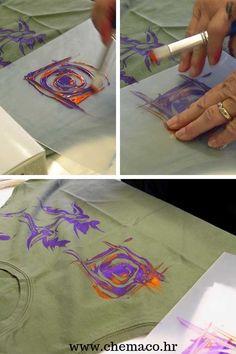 Na unikatan način oslikajte majice, torbe, jastučnice ili zavjese. Potrebno je imati tvrdu foliju za crtanje, boje za tekstil i špahtlu za slikanje. Textiles, Painting, Painting Art, Paintings, Paint, Draw, Cloths, Fabrics
