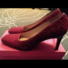 Kate Spade shoes Kate Spade Melissa shoes in Cranberry Tweed, with 2.5 inch heel. Great condition. Narrow fit. kate spade Shoes