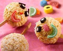 Fun Balls #ricekrispies #kidstreats #decorate #candies #recipe Rice Krispies, Krispie Treats, Yummy Treats, Yummy Food, Butter Rice, Rice Cereal, Cereal Recipes, Balls Recipe, Candy