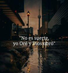 God Loves Me, Jesus Loves Me, Bible Quotes, Bible Verses, Quotes En Espanol, God Jesus, Spanish Quotes, Quotes About God, Faith In God