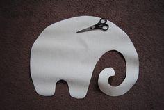 Игрушка подушка из флиса. Фиолетовый слон