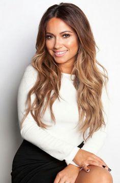 White blouse black mini skirt and hair - ChicLadies. Ethnic Hairstyles, Pretty Hairstyles, Jessica Burciaga Hair, Boliage Hair, Great Hair, Amazing Hair, Natural Hair Styles, Long Hair Styles, Face Hair