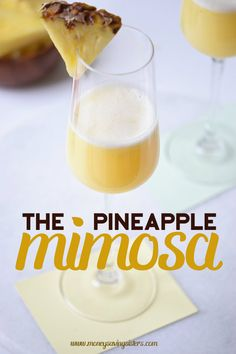 Looking for a different kind of mimosa to serve at brunch? Check out this Pineapple Mimosa recipe on MoneySavingSister. Source by quirkyandnerd. Cocktails, Cocktail Drinks, Cocktail Recipes, Alcoholic Drinks, Drink Recipes, Pineapple Mimosa Recipe, Bar Drinks, Beverages, Brunch