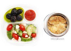 Mûres, ketchup, concombre tomate, fromage Feta, vinaigrette.   Doigts de poulet croustillant cuits au four.