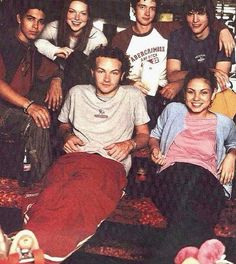 fondos show that show on Instagra - Hyde That 70s Show, Thats 70 Show, 70s Aesthetic, Aesthetic Pictures, Movies Showing, Movies And Tv Shows, Series Movies, Best Tv, Wall Collage