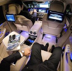 Travel like a boss. Classy CEO transportation in the Mercedes S Class by gent @dnkdmr7 - Repost via @classysavant