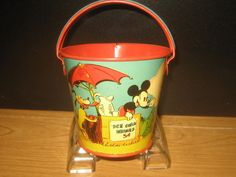 Ohio Art Tin Sand Set Mickey Mouse w/box 1938 Mickey Mouse And Friends, Mickey Minnie Mouse, Vintage Mickey, Vintage Toys, Disney Toys, Walt Disney, Bucket And Spade, Sand Toys, Watering Cans