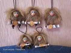 Приветствую Всех заглянувших ко мне в гости!!! Сделала я сегодня ещё пять Крох Домовят!!! фото 1 Sock Dolls, Softies, Doll Patterns, Art Dolls, Bobby Pins, Hair Accessories, Christmas Ornaments, Holiday Decor, Crochet