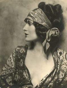 1920s gorgeous.