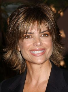 Lisa Rinna Long Layered Hair | Lisa Rinna's shaggy cut is perfect for finer hair or to soften a ...