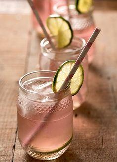 Potes de geléia: eles também têm uma pegada retrô e funcionam muito bem para sucos e refrigerantes