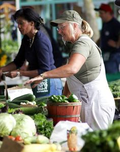5 Things Not to Say (or Do) at the Farmers Market — Farmers Market Etiquette | The Kitchn