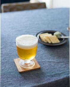 【スタッフの愛用品】500mlのドリンクをぴったり分け合える!定番のLempi。 ▶商品はプロフィールから!または当店サイトの紫色のバナーから ・ 夏です!ビールの美味しい季節! Lempiは夫と1杯飲むときに、500mlのビールをぴったり分けられるところが気に入っています。 お互い1杯では終わらないときが大半ですが……(笑)「今日は○本まで!」と飲み過ぎ防止の目安にもなっています。 脚付きですが、スタッキング可能なところも魅力の一つ。 色んなシーンで使えるので、友人への結婚祝いや誕生日プレゼントに選ぶことも多いんです。(編集スタッフ塩川) ・ #北欧暮らしの道具店 #イッタラ #Lempi #ビール #夏 #レンピ