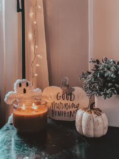 Fall Bedroom Decor, Fall Home Decor, Holiday Decor, Halloween Room Decor, Halloween Decorations, House Decorations, Halloween Season, Fall Halloween, Pelo Indie