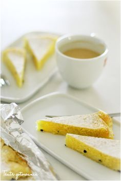 Blondie with passionfruit. Easy and fast.