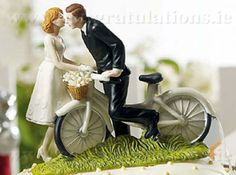 Vintage wedding cake toppers - Buy wedding cake topper online and get fast delivery at your place. Order vintage cake tops at the best price. Bike Wedding, Wedding Cake Rustic, Wedding Cake Toppers, Wedding Cakes, Funny Cake Toppers, Unique Cake Toppers, Romantic Couples, Wedding Couples, Wedding Ceremony Pictures