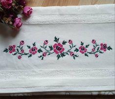 Cross Stitch Rose, Cross Stitch Flowers, Cross Stitch Embroidery, Crochet Cross, Small Flowers, Cross Stitch Designs, Counted Cross Stitches, Cross Stitch Patterns, Hand Embroidery Stitches