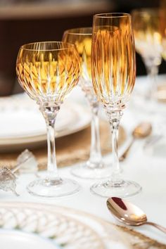 Bring out the fancy stemware for the Thanksgiving table. I love an elegant table for the holiday. Vase Deco, Autumn Table, Fresh Farmhouse, Thanksgiving Tablescapes, Thanksgiving Feast, Thanksgiving Blessings, Crystal Glassware, Waterford Crystal, Fall Dinner