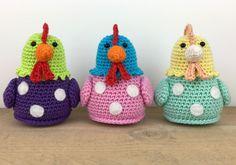 Stip & HAAK - Kipje Kitty - free crochet chicken pattern in English and Dutch. Crochet Diy, Crochet Vintage, Easter Crochet, Crochet Patterns Amigurumi, Crochet Dolls, Vintage Knitting, Double Knitting Patterns, Animal Knitting Patterns, Easy Crochet Patterns