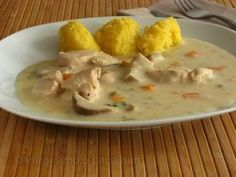 Chicken stew with sour cream and polenta Baby Food Recipes, Chicken Recipes, Cooking Recipes, Healthy Recipes, Romanian Food, Tasty, Yummy Food, Home Food, I Love Food