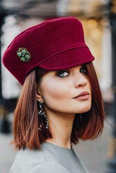 Fashionable women& hats: 8 current trends of autumn-winter 2019 Fascinator, Headpiece, Mode Turban, Fedora Hat Women, Stylish Hats, Love Hat, Felt Hat, Red Hats, Mode Inspiration